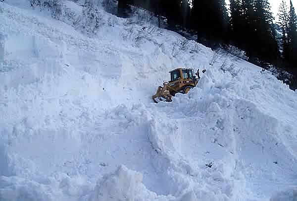 Bulldozer Pioneering in Alps 3